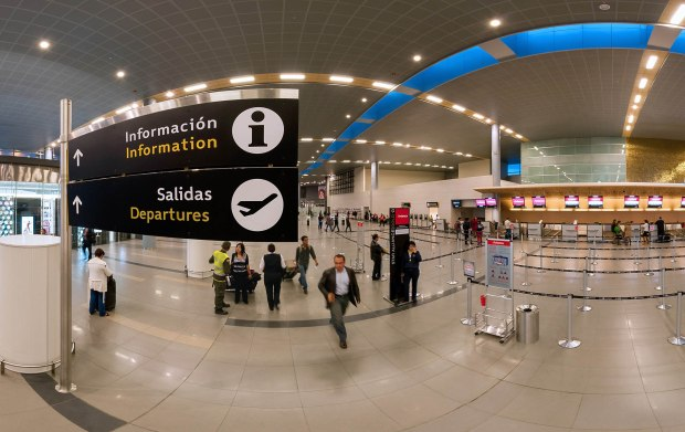 Aeropuerto Internacional El Dorado muelle internacional
