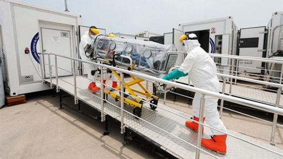 Hospital Movil para coronavirus en Aeropuerto Jorge Chavez